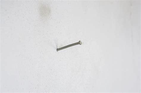 Nagel In Die Wand Schlagen by Nagel In Betonwand Einschlagen 187 So Gelingt S