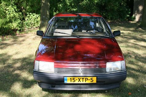 renault 25 gtx a 1986 renault 25 gtx with only 7k miles resides in