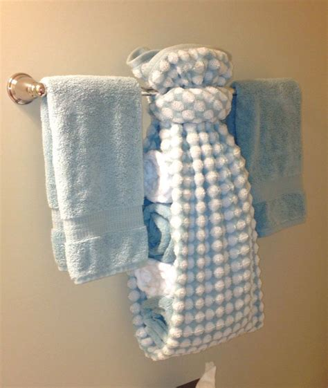Fancy Paper Towel Folding - creative ways to display towels in bathroom towel