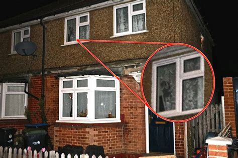 the haunted house 2 exploring the haunted enfield poltergeist house conjuring 2 video shocks