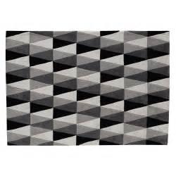 tappeto grigio tappeto grigio 160 x 230 cm calligraphik maisons du monde