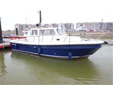 catamaran cycloné a vendre cygnus cyclone 26 in devon power boats used 11005
