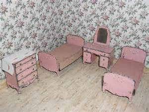 Tootsie toy dollhouse furniture bedroom set in pink by thetoybox