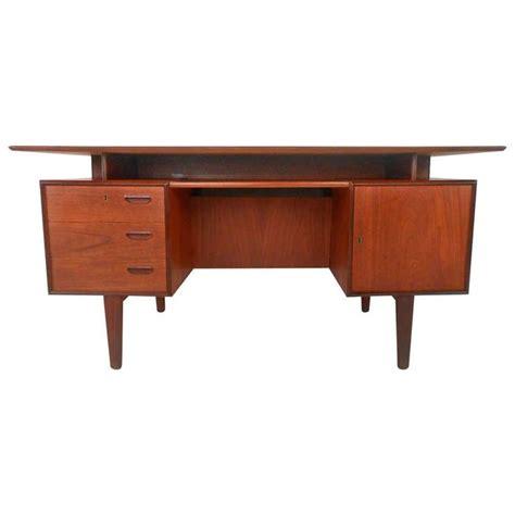 Modern Desks With Storage 17 Best Images About Vintage Desks And Writing Tables On Antiques Modern Desk And Teak