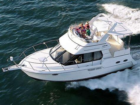 carver boats manufacturer carver 326 aft cabin motor yacht cruiser power boats for