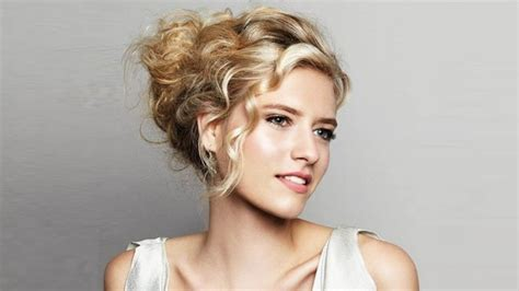 beautiful hairstyles at home evening hair styles detailed how to instructions and