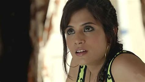 richa chadda foto richa chadda wants to do candy floss roles movies news