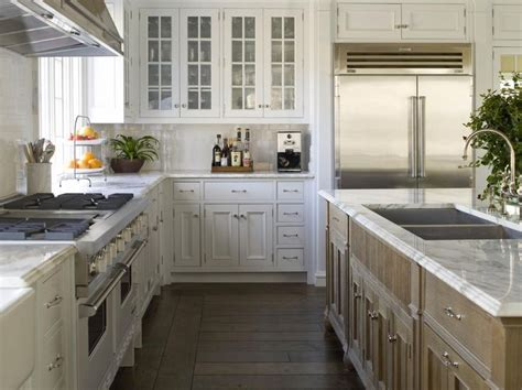 l shaped kitchen island ideas best 25 kitchen layouts with island ideas on