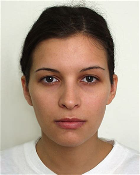 old women characteristic beautycheck babyfaceness