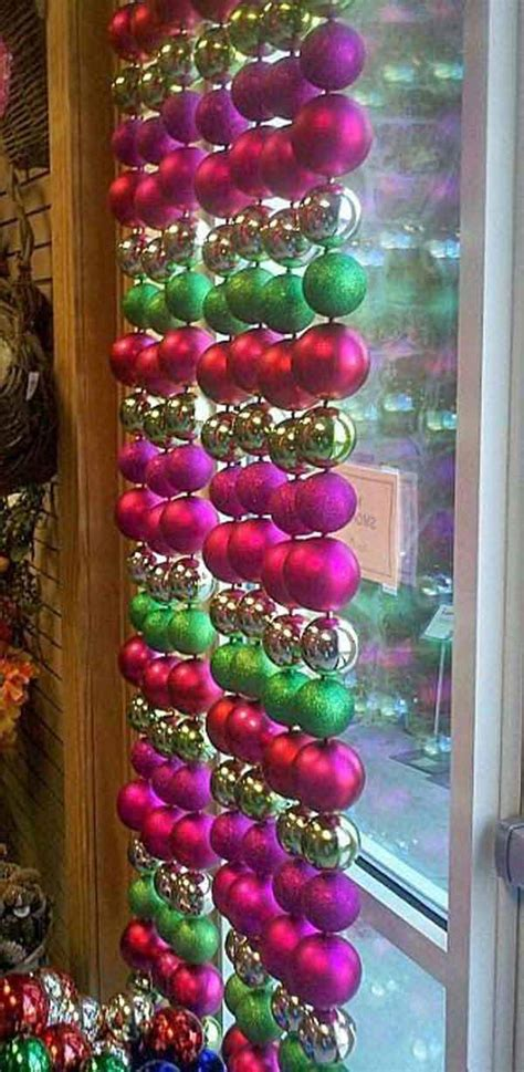 30 insanely beautiful last minute christmas windows