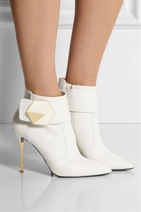 style pantry style trend winter white ankle length boots