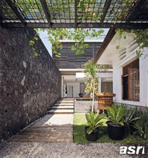 Pelapis Kayu dirancang untuk menciptakan kenyamanan dan suasana bersahabat dengan desain ala rumah india