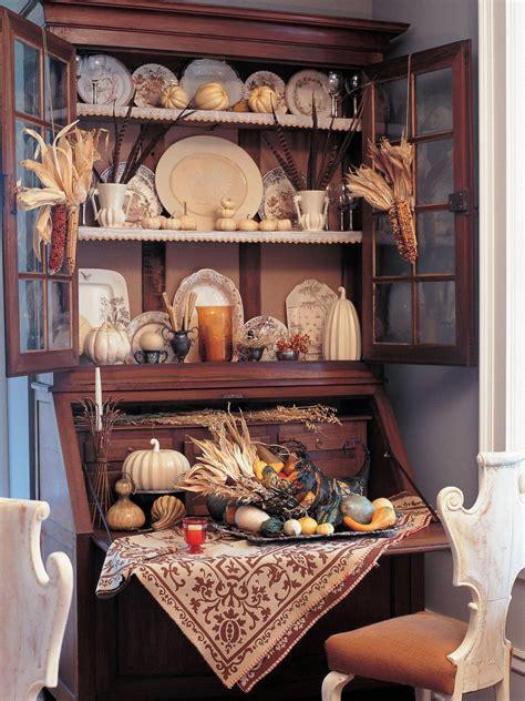 a thanksgiving dining room makeover hgtv traditional thanksgiving decorating ideas living room