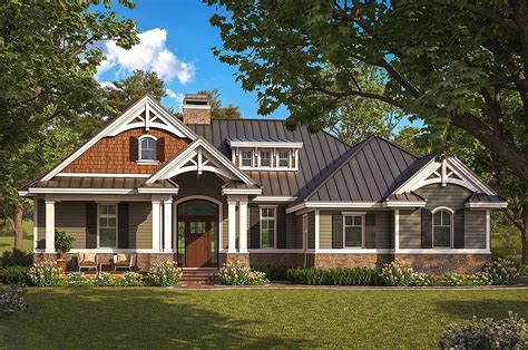 two craftsman house plans exquisite two bedroom craftsman house plan 66385we