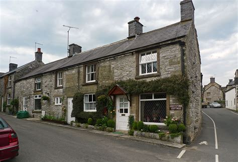 Youlgreave Cottages by Peak District Grindleford