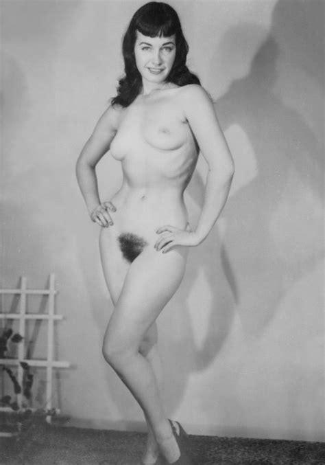 Vintage Retro Celebrity Nude