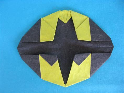 Origami Batman - 27 marvel ous origami superheroes