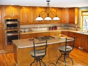Countertops That Go With Oak Cabinets by Image Result For Pictures Of Oak Cabinets With Quartz