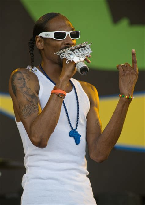 snoop dogg tattoos snoop dogg s new snoop dogg zimbio