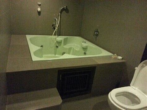 hotel with bathtub in manila room 103 with jacuzzi picture of hotel 2016 manila