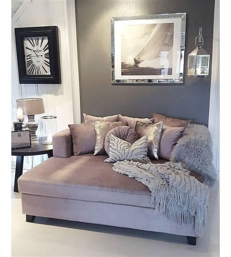 daybeds for living room 25 best ideas about daybed couch on pinterest daybed