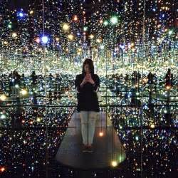 The Infinity Mirror Room New Mirrored Infinity Rooms In New York My Modern Met