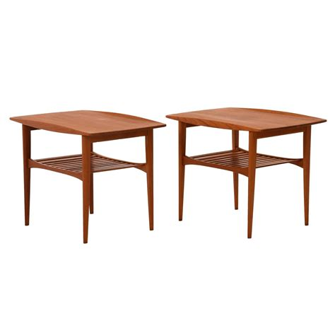 Modern Side Tables Modern Side Table At 1stdibs