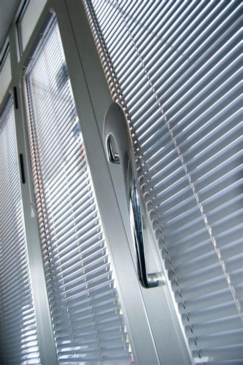 Scrub Aluminium how to clean aluminium door window frames cleanipedia