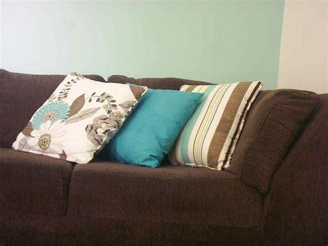 decorar sala sofa verde claro decora 231 227 o de sala sof 225 marrom modernos e lindos