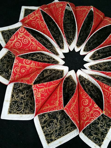 pattern for fabric wreath fold n stitch wreath tutorial google search quilting
