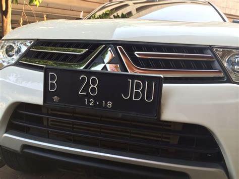Tatakan Mobil jual tatakan dudukan plat nomor mobil model astra mobil