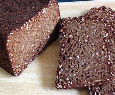 schwarzbrot kuchen rheinisches schwarzbrot tante rosi rezept schwarzbrot