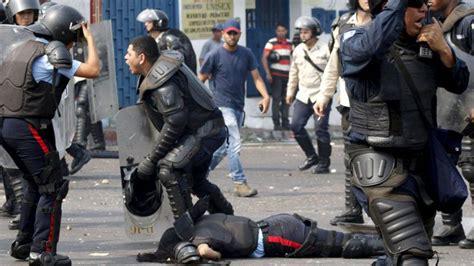 imagenes venezuela de ayer venezuela mueren dos polic 237 as venezolanos arrollados por