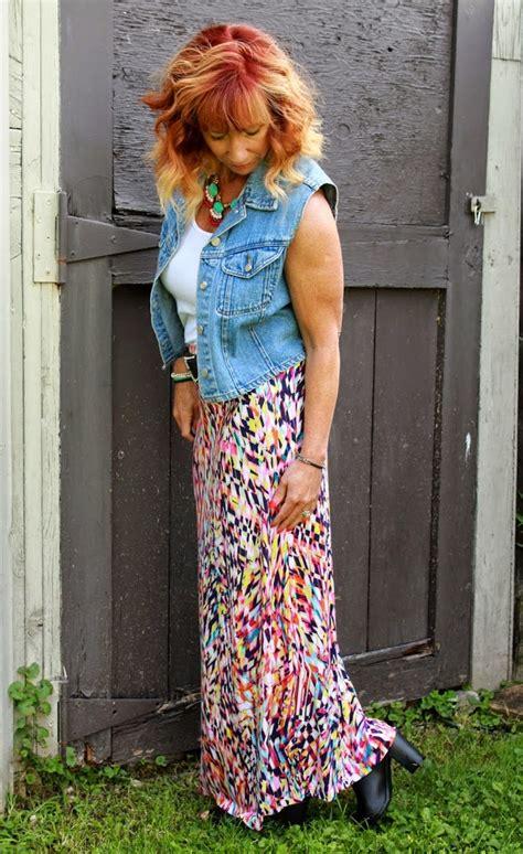 a shoe story multicolor maxi skirt denim vest and black
