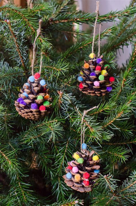 decorations pom pom pine cones
