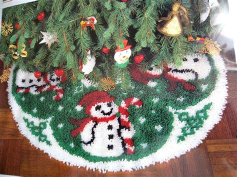 tree skirt latch hook kit snowman frosty 33 quot mip ebay