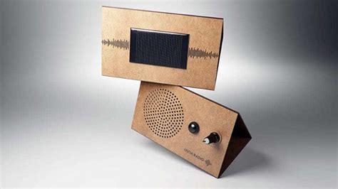 radio reciclable onemi una radio solar de cart 243 n para emergencias dise 241 ada