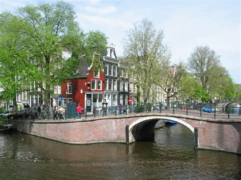 Apartment Tips Bridge Over Reguliersgracht To Red House In Amsterdam