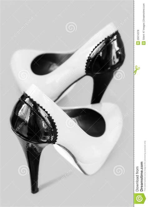 imagenes zapatos blanco y negro zapatos blancos y negros