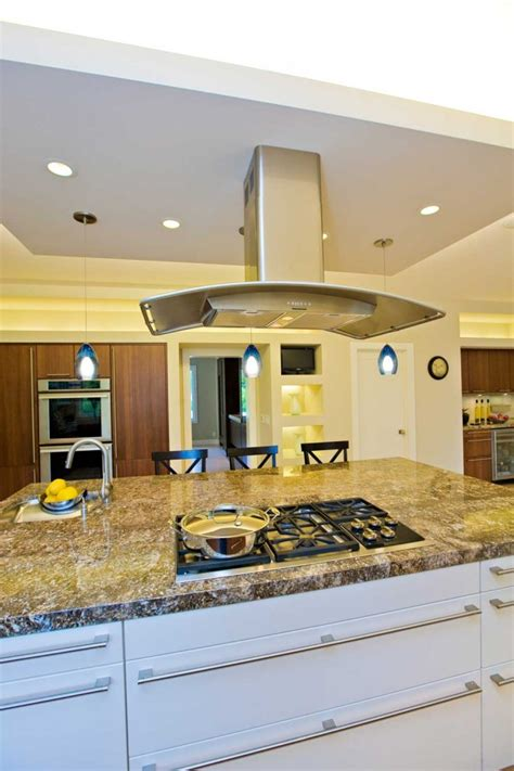free standing range kitchen with ceiling