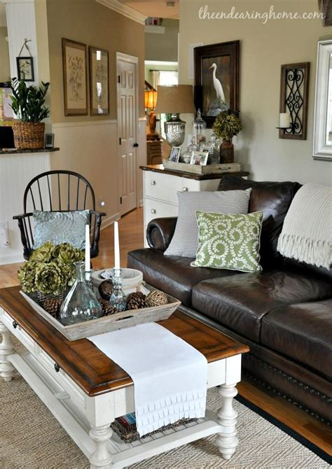 The Endearing Home Family Room Via Savvy Southern Style Neutral Living Room Furniture