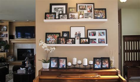kitchen wall decorating ideas photos decosee - Decorating With Family Photos