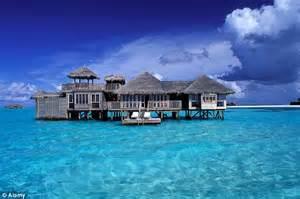 maldives best hotels why many say the burj al arab in dubai deserves seven