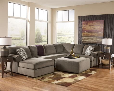 Jessa Place 3 Piece Sectional W Ottoman Set In Dune