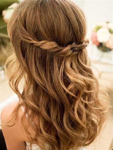 cute hairstyles long wavy hair 30 cute long curly hairstyles hairstyles haircuts