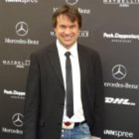 Robert Porsche robert porsche ceo million dollar tan de xing