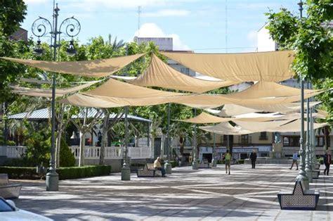 toldos plaza adelantan la instalaci 243 n de toldos en la plaza de espa 241 a y
