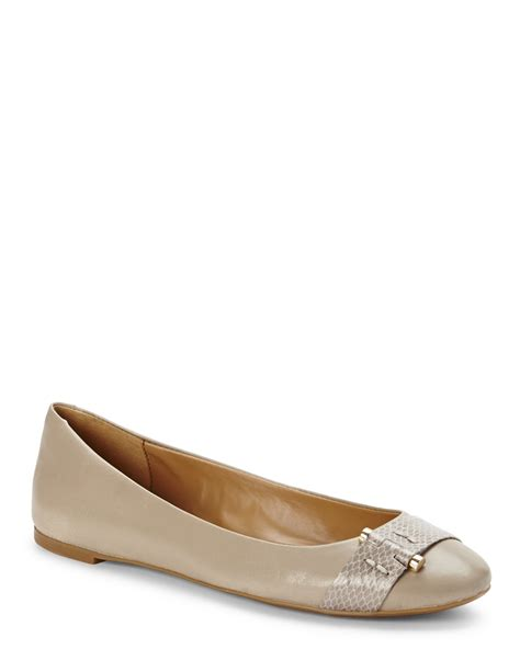 nine west shoes flats nine west taupe ballet flats in brown lyst