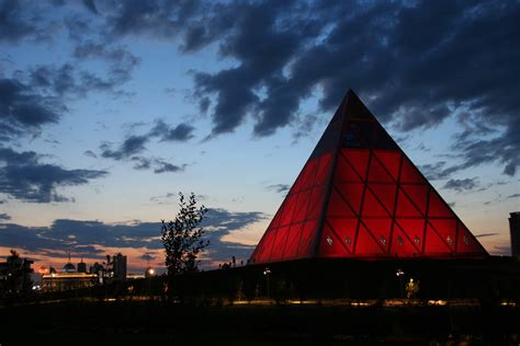 teatro degli illuminati citt di il mistero di astana la capitale kazakistan