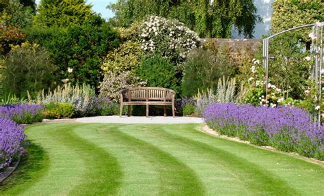 Anchor House Traditional Landscape South West By Designing Garden